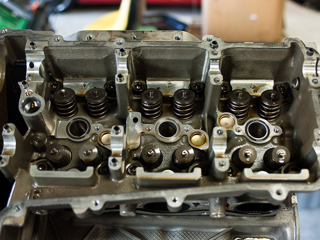 porsche-m96-camshafts-removed