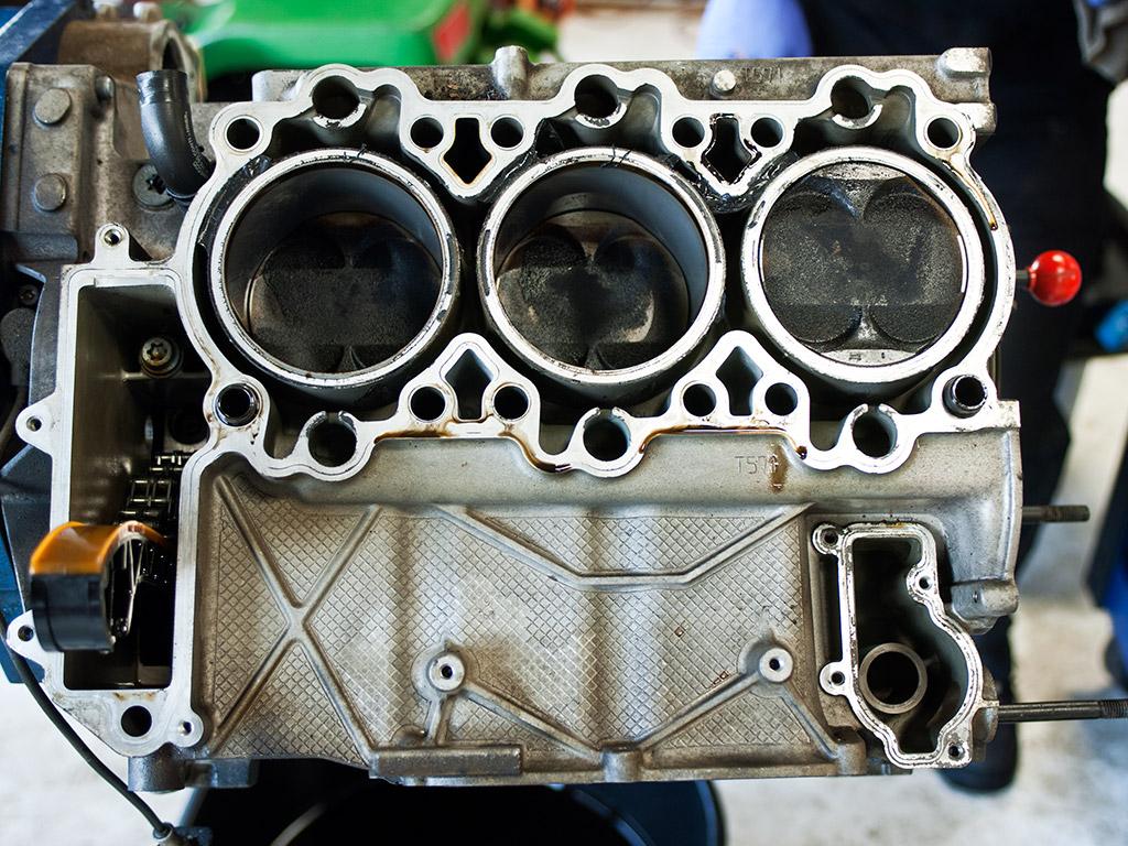 porsche-m96-pistons-removal