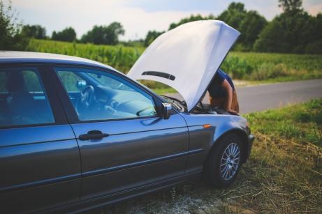 overheating-car-roadside